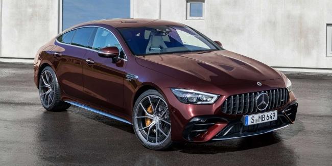 Стала известна цена на обновленный Mercedes-AMG GT