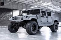 Возрожденный Hummer H1 теперь можно купить за 6,5 млн грн