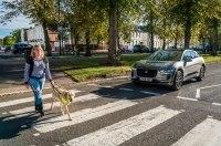 Для авто придумали систему оповещения слабовидящих пешеходов