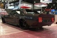 На SEMA привезли классический Mustang с двигателем Ferrari