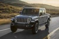 Jeep отказался от 4-цилиндрового бензинового двигателя на пикапе Gladiator