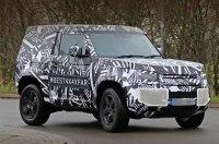 В Сети появились снимки короткобазной трёхдверки Land Rover Defender 90
