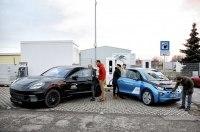 BMW и Porsche представили сверхбыструю зарядную станцию с мощностью до 450 киловатт