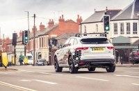 В Jaguar придумали, как избавиться от пробок, встроив в авто систему «зеленая волна»