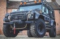 На eBay выставили тюнинговый вариант внедорожника Land Rover Defender
