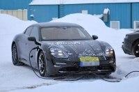 Фотошпионам удалось снять электрический Porsche Taycan почти без камуфляжа