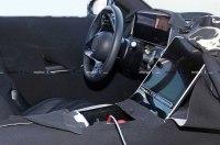 Новый Mercedes S-Class получит гигантский планшетоподобный дисплей