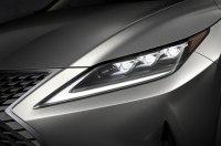Lexus выводит освещение дороги на новый уровень