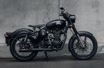 Royal Enfield одел Classic 500 в черную ливрею