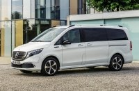 Первый в мире электрический минивэн Mercedes-Benz EQV покажут во Франкфурте