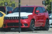 Первые шпионские снимки нового Jeep Grand Cherokee Trackhawk