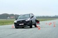 Toyota RAV4 после провальной попытки пересдала «лосиный тест»