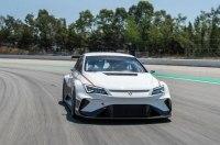 Маттиас Экстрем дебютирует за рулем электрического гоночного Cupra мощностью 670 л.с.