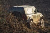 Land Rover Defender снялся в новом фильме о Джеймсе Бонде