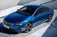 Opel Insignia получил продвинутую оптику