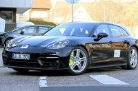 В Сети появились живые фото нового Porsche Panamera Sport Turismo