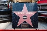 Такого еще не было: Chevrolet Suburban попал на голливудскую Аллею славы