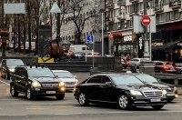 Бывший президент Украины пересел на новый Mercedes за $500 000