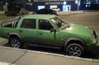 Уникальный пикап-внедорожник ЗАЗ Славута засняли на дорогах