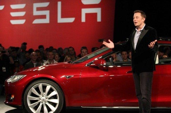 Капитализация американского производителя электромобилей Tesla достигла $100 млрд