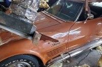 Взрыв повредил 17 классических Chevrolet Corvette
