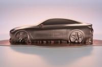 BMW i4 показали в виде «жидкой» скульптуры