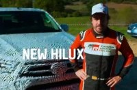 Алонсо за рулем новой Toyota Hilux (видео)