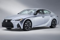Новый Lexus IS: первые живые фото