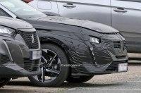 Peugeot катает обновленный 308