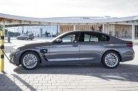 «Трёшка» и «Пятёрка» BMW стали еше гибридней