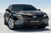 Для Верховной Рады хотят купить 21 черную Toyota Camry на 18 млн гривен