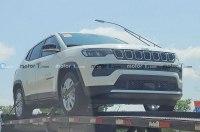 Фотошпионы заметили гибридный Jeep Compass
