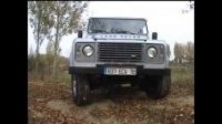 Видео Land Rover 110 Station Wagon в бою