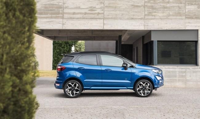 Кросс в центр поля. Ford EcoSport