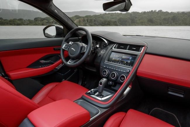 Jaguar E-Pace. Младший брат F-Pace. Jaguar E-Pace