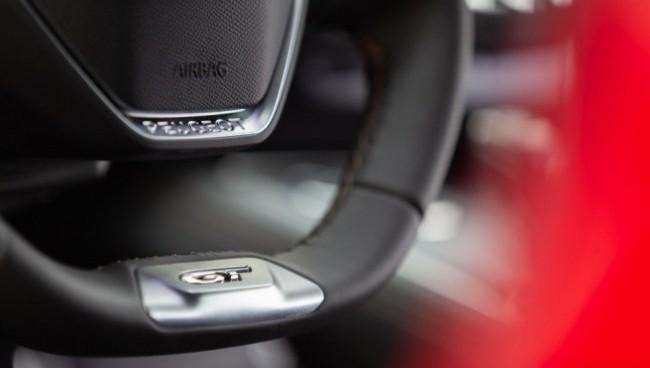 В каком ухе у меня жужжит?. Peugeot 508
