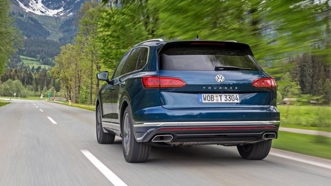 Пытаемся вдохновиться кроссовером Volkswagen Touareg. Volkswagen Touareg