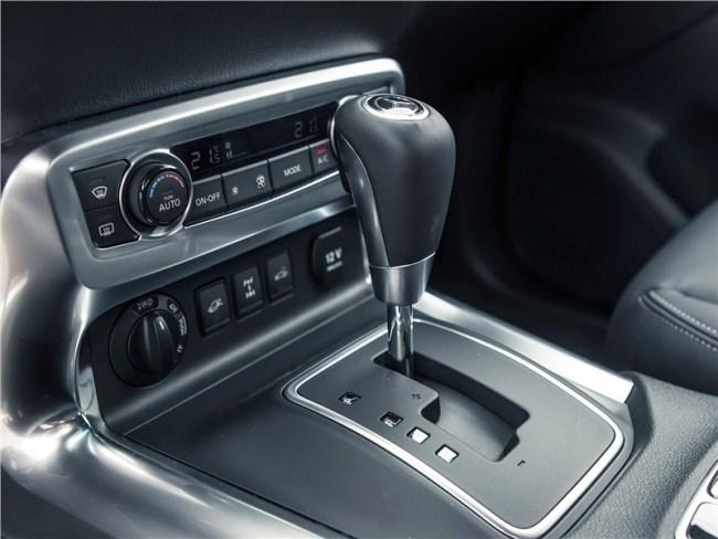 Mercedes-Benz X-Class: стахановец и… завсегдатай бутиков. Mercedes X-Class (W470)