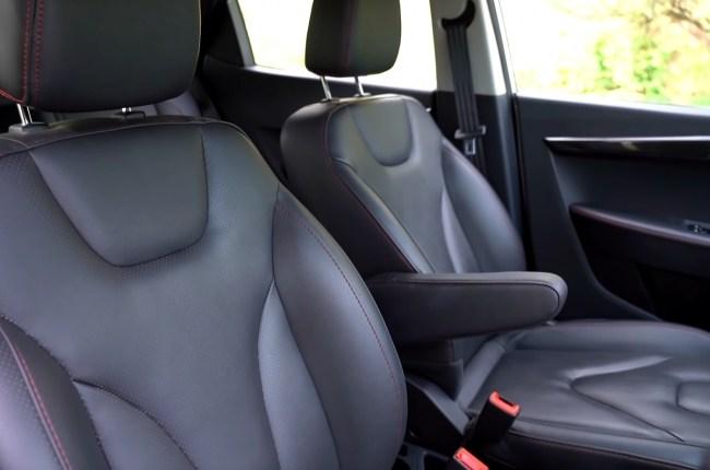 JAC iEV7s передние сиденья