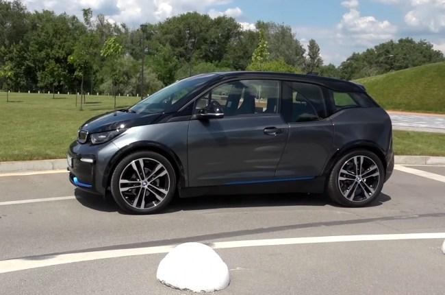 BMW i3s вид сбоку