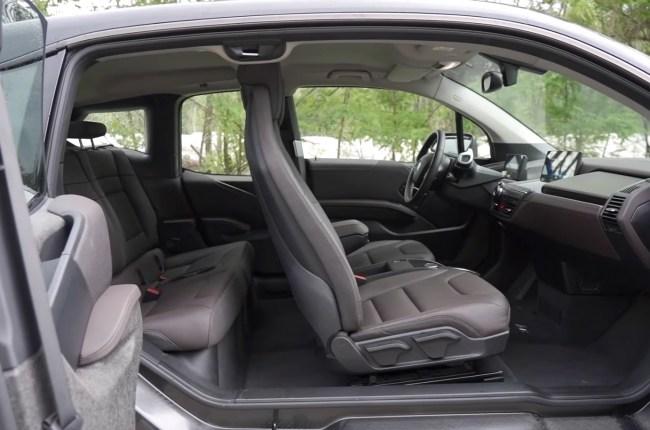 BMW i3s сиденья переднего и заднего ряда