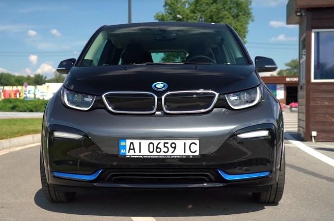BMW i3s бампер и капот