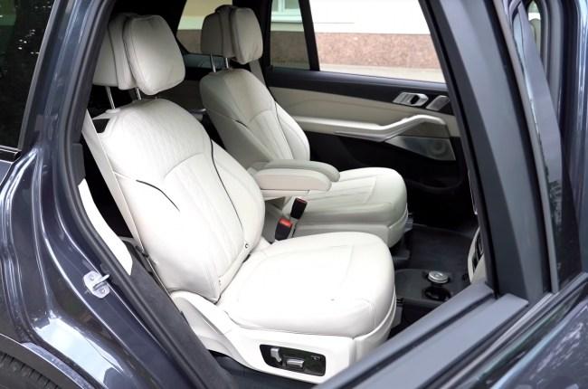 BMW Х7 сиденья второго ряда