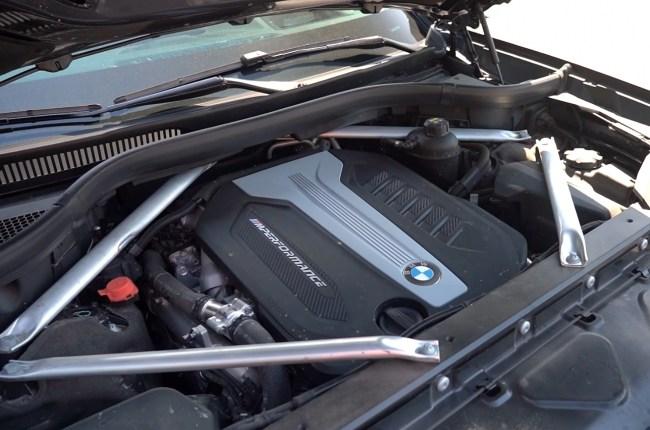 BMW Х7 двигатель