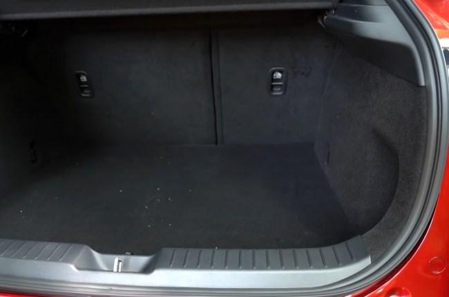 Mazda CX-30 багажник