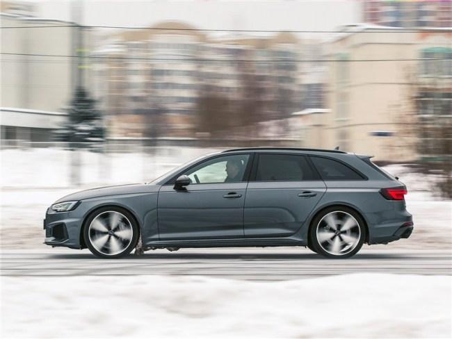 Уроки самообладания вот спортивного универсала. Audi RS4 Avant