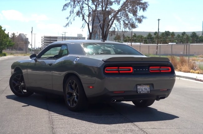 Dodge Challenger задние фонари