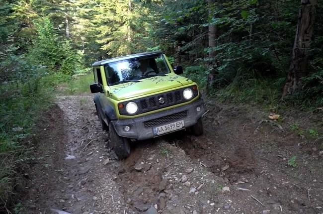 Suzuki Jimny на бездорожье