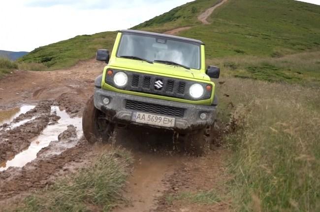 Suzuki Jimny езда по грязи