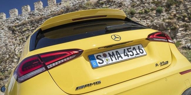 В зеркале заднего вида. Mercedes A-Class (W177)